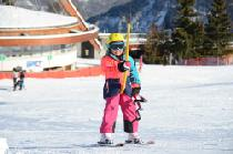 Kinder am Schlepplift © Corbier Tourisme_IMC