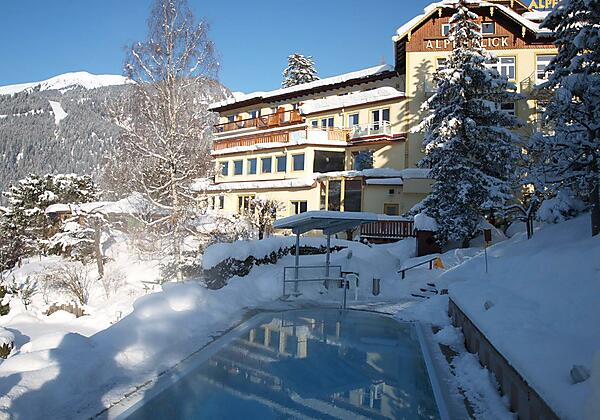 Hotel-Alpenblick-Bad-Gastein-Winter-Pool