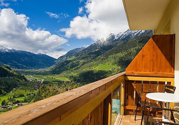 Balkonausblick-Hotel-Alpenblick-Bad Gastein