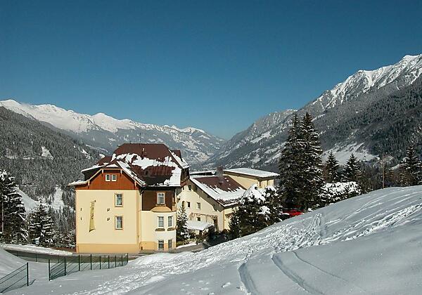 Skiabfahrt-Hotel-Alpenblick-Bad Gastein