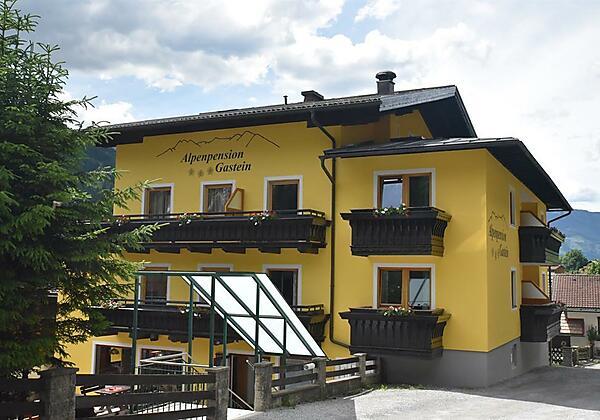 Alpenpension-Gastein-Hausansicht-Bad-Gastein