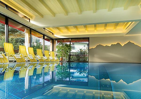 Hotel-Alpina-Bad-Hofgastein-Haus-Sommer