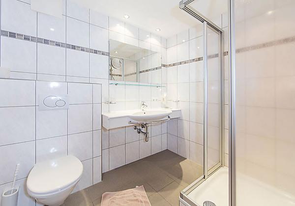 Badezimmer im Appartementhaus Sieglinde in Sölden