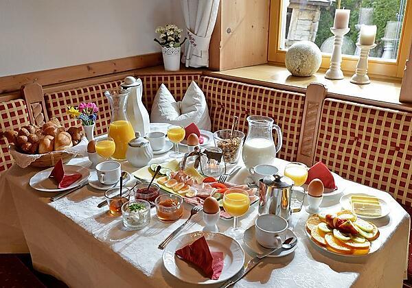 Frühstückstisch im Hüttschmiedhof