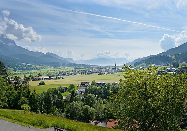 Appartement Blick zum Bergdoktor Schlafzimmer