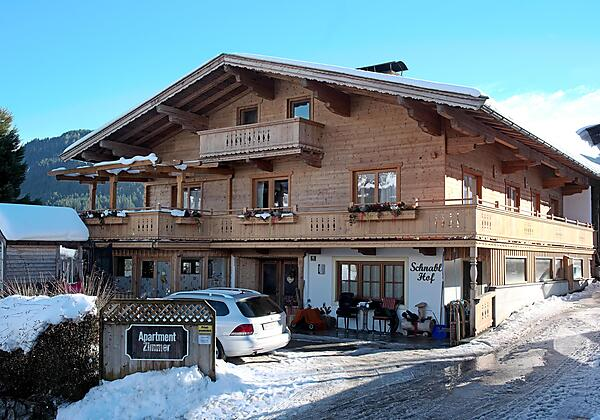 Appartement Blick zum Bergdoktor Wohnkueche1