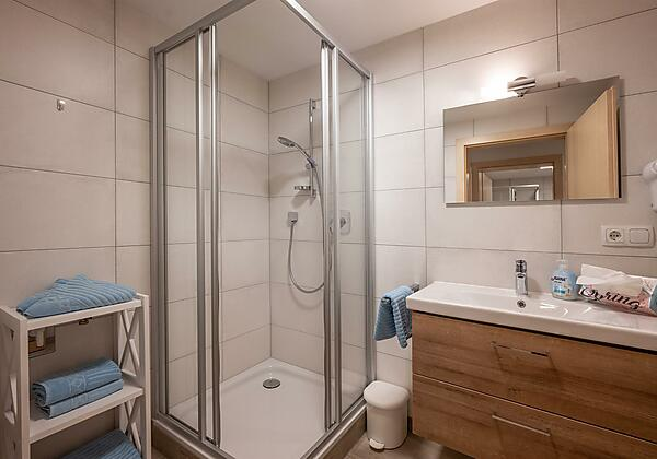 Badezimmer Rundblick_1