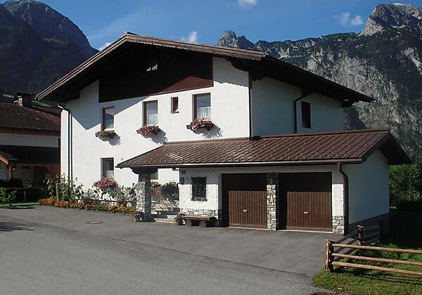 Haus Bergheimat im Sommer