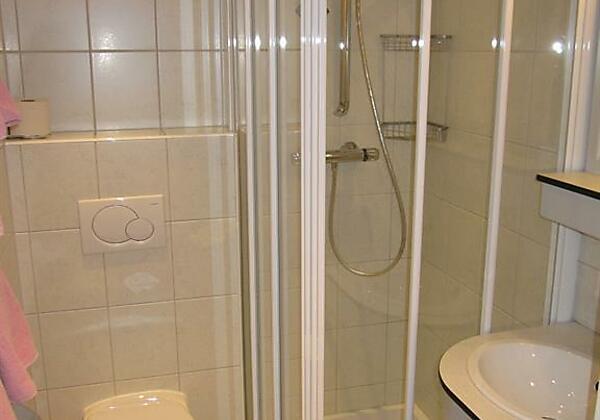 alle Zimmer/FeWo mit Dusche/WC