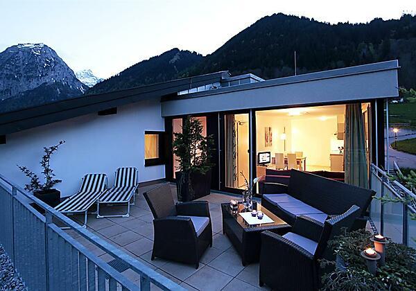 Terrassenwohnung Sommerabend