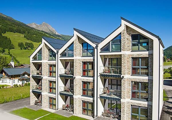 Bergparadies-Dorfgastein-Appartement-Haus-Sommer