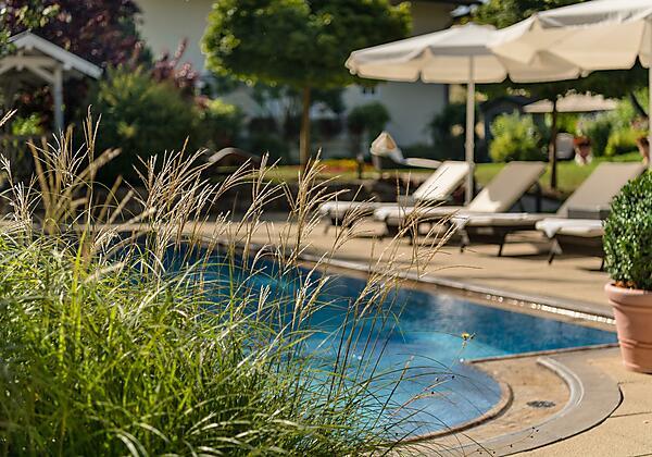 Hotel-Bismarck-Garten-Verwöhnservice-Bad-Hofgastei
