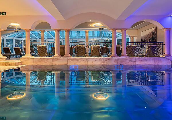 Hotel-Bismarck-Familie-Thermal-Pool-Bad-Hofgastein