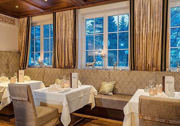 Hotel-Bismarck-Bar-Lounge-Bad-Hofgastein