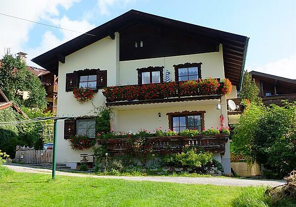 Damelerhof Stubaital Nebenaus mit 1 Ferienwohnung