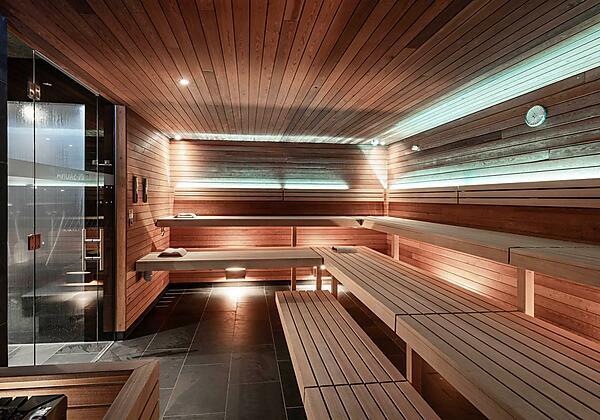 Hotel die Berge Außenansicht Winter Infinity Pool