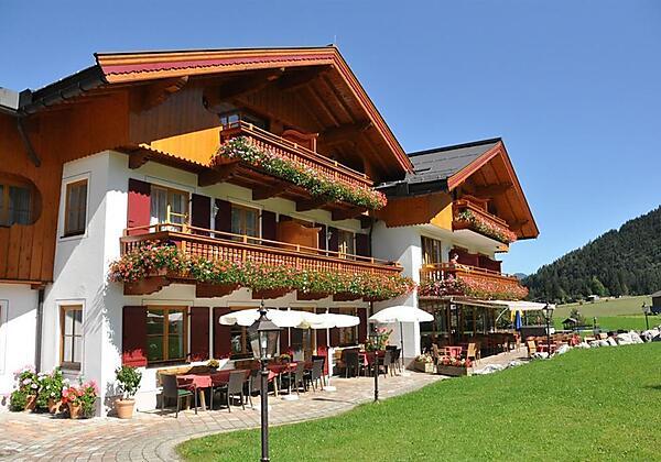 Haupthaus_Sommer