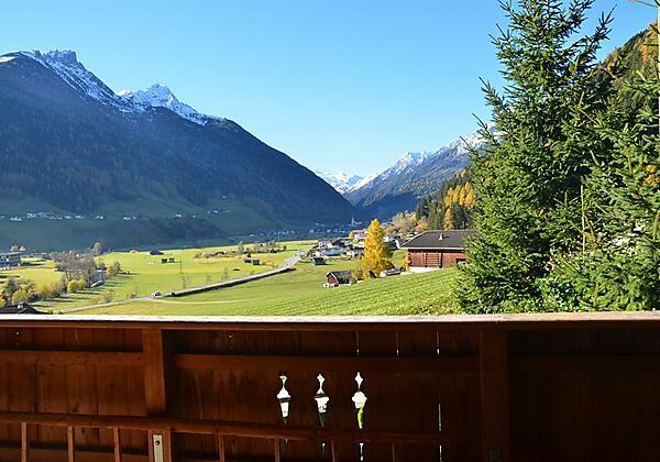 Ferienhaus Stubaiblick  Ausblick Balkon