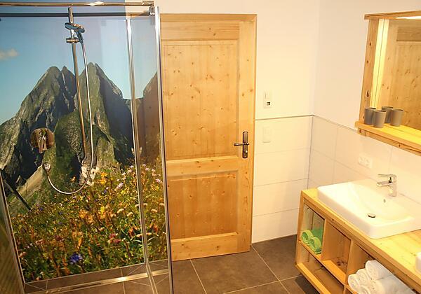 Modernes Bad mit fantastischer Dusche