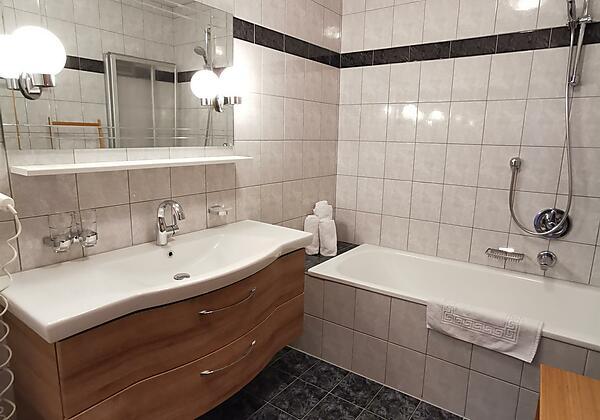 FEWO-Stubai Badezimmer