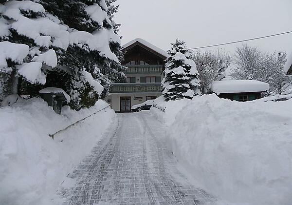 Hausansicht im Allgäuer Winter