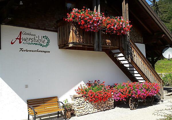 Blumen im Nebengebäude