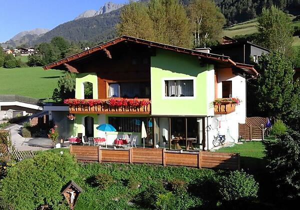 120749726 Haus Hauptbild