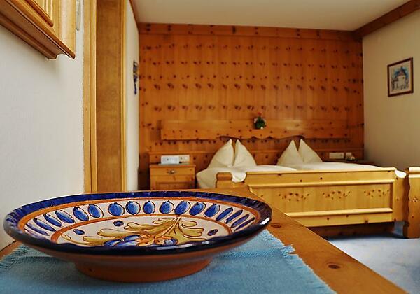 Landhaus Gletschermühle Bad Gastein Zirbenzimmer1