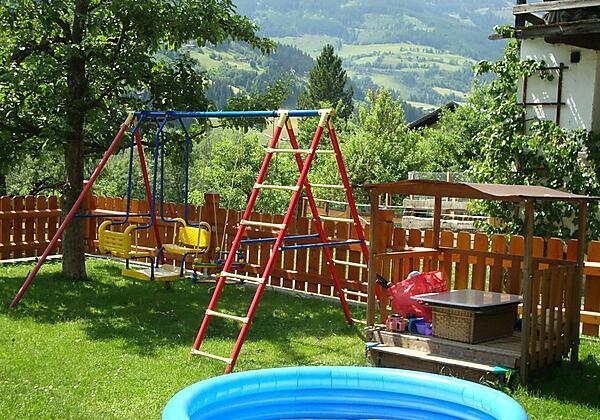 Appartement-Gruberbauer-Bad-Gastein-Spielplatz
