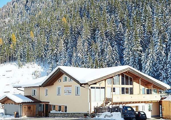 Winterwonderland Haus am Wildbach (Medium)