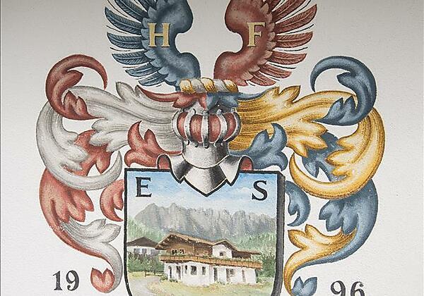 Wappen-Haus-Elisabeth