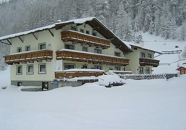 Haus Gstrein-Hausansicht Winter
