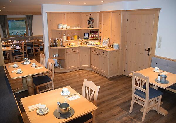 Frühstückszimmer 1