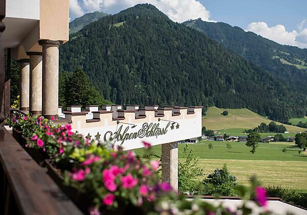 Söll_Hotel_AlpenSchlössl_Aussicht_WilderKaiser