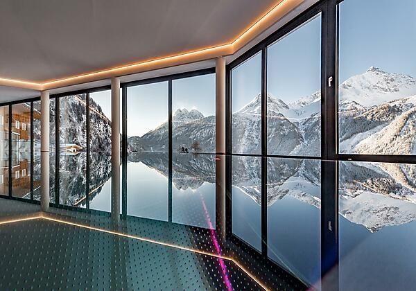 Indoor Infinity Pool