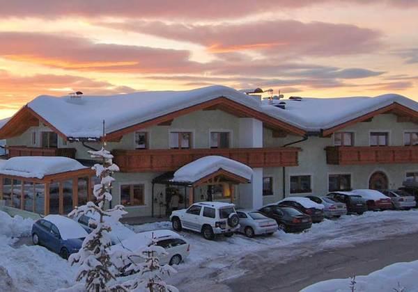 3659_Hotel Gstatsch_SH