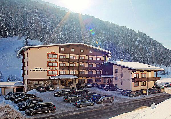 Blick auf das Hotel Kirchlerhof in Lanersbach