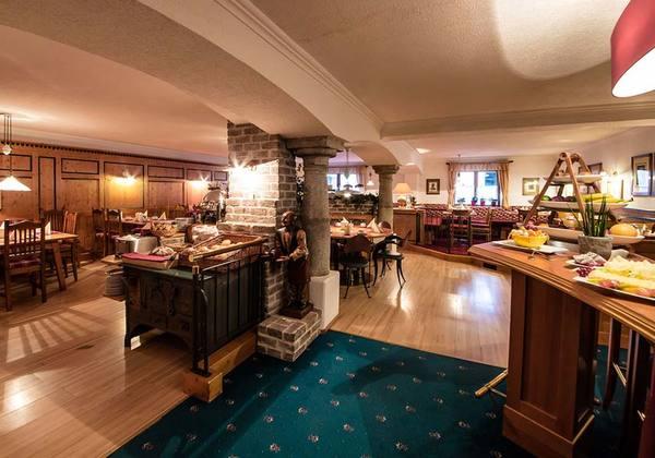 Bar im Hotel Kristall in St. Anton am Arlberg
