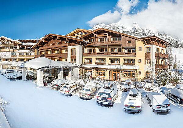 Hotel Winterbild_vorne_Druck_2018