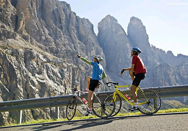 Blick ins Comfort-Zimmer im Hotel Melodia del Bosco in Badia