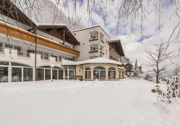 Hausansicht Hotel Seeber in Ratschings