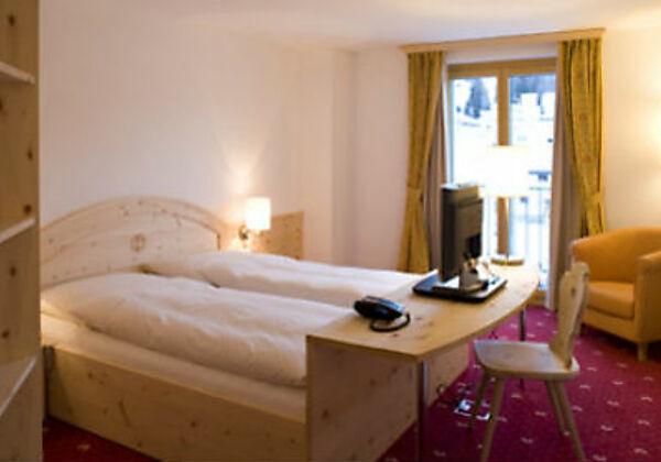 Das Doppelzimmer Superior im Hotel Seraina in Sils-Maria
