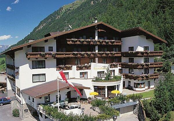 Hotel Similaun im Sommer