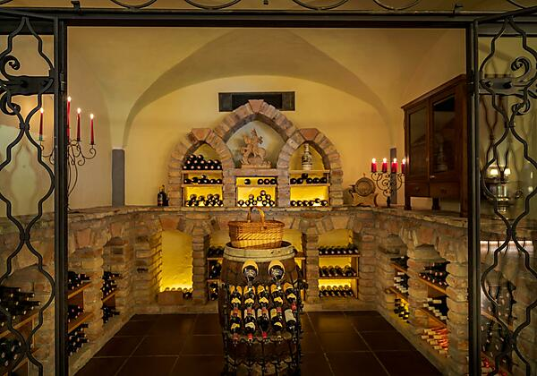 Weinverkostung im Weinkeller Hotel St. Georg