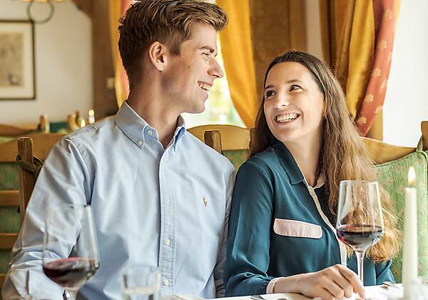 Kulinarik und Wein genießen