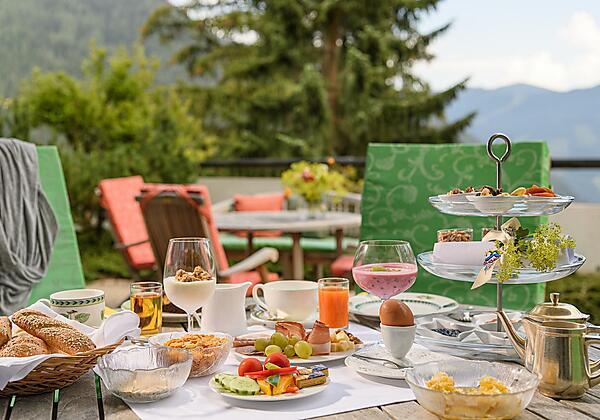Frühstücken auf der Sonnenterrasse