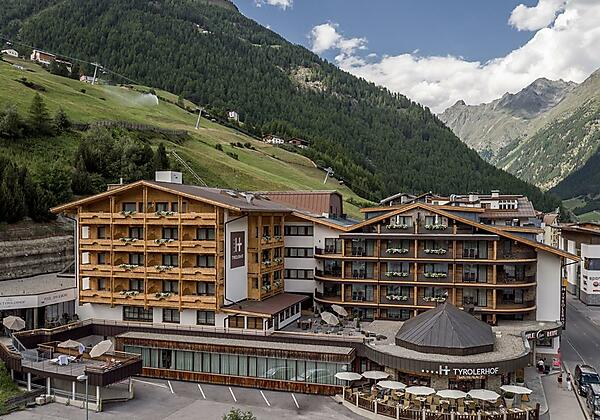 Hotel Außen Sommer