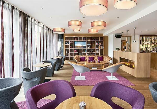 Lounge und Bar