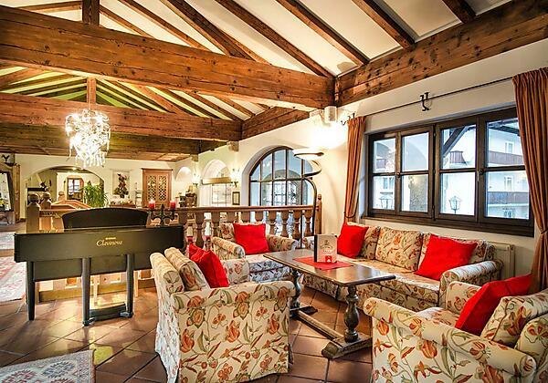 Johannesbad-Hotel-St.Georg-Bad-Hofgastein-Bar1-min