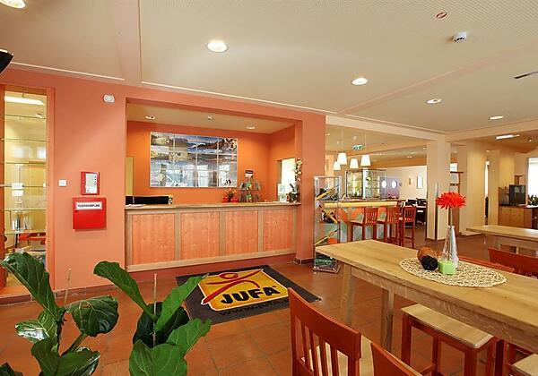 rezeption-lobby-jufa-hotel-lungau